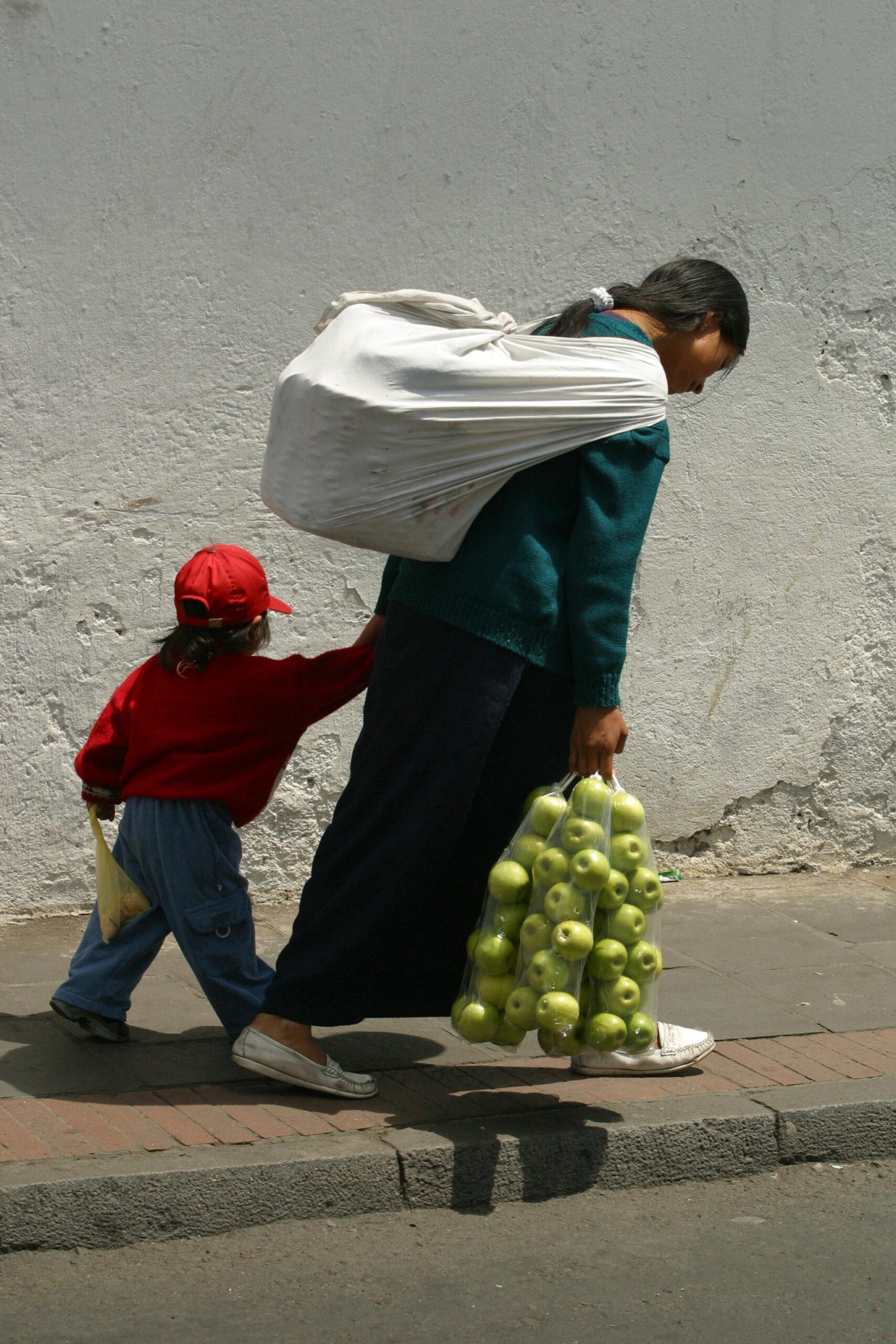 Imagen de la noticia Promoviendo el acceso al empleo y autoempleo digno para mujeres jóvenes y adultas del municipio de San Juan Sacatepéquez, Guatemala