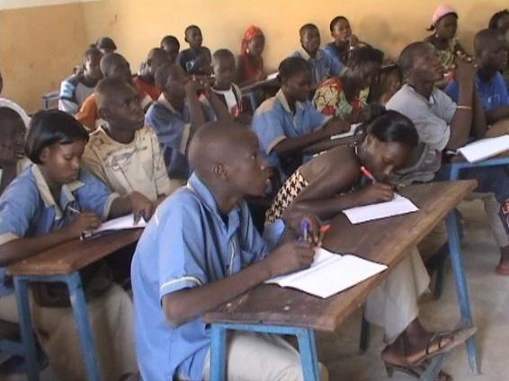 Imagen de fondo de Conseils et Appui pour l'Education à la Base (CAEB)